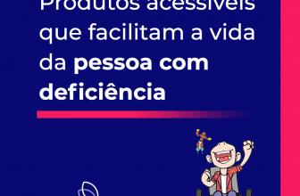 """Banner informativo na cor azul predominante de fundo, texto alinhado à direita em branco: """"Produtos acessíveis que facilitam a vida da pessoa com deficiência"""". Abaixo do texto, também alinhado à esquerda, uma faixa em rosa degradê. Na parte inferior à esquerdo, a logo do mercado adaptado na cor branca, com as asas em degradê da logo, e o nome """"mercado adaptado"""" escrito abaixo. Ao lado, também na parte inferior, está posicionado o mascote Tom, que está com uma das mãos para o alto comemorando. O mascote é menino, cadeirante, tem pele clara, usa blusa branca, com outra blusa xadrez de manga curta por cima vermelha, calça azul e sapatos pretos. A cadeira de rodas de Tom é preta, e ao lado esquerdo de Tom, existe um robô voando, na altura de sua cabeça. O robô é vermelho e amarelo, e tem chamas azuis saindo de seus pés."""